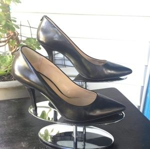 Michael kors black heel